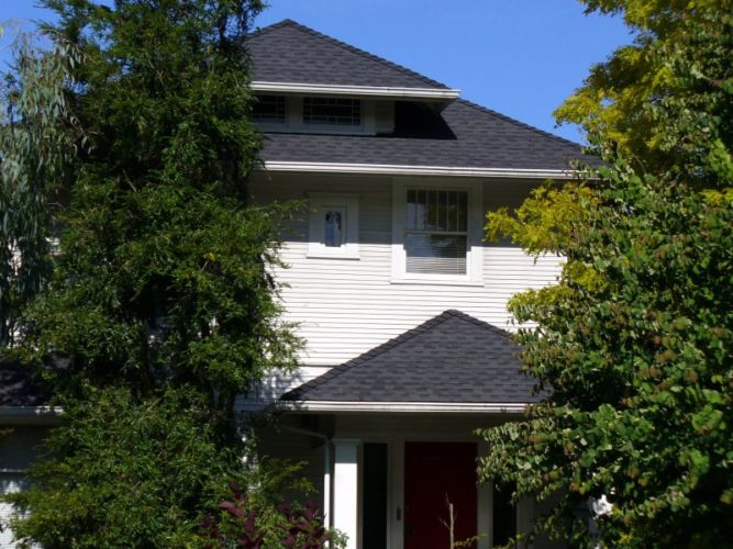 Issaquah Home Roofing Replacement Project Using Composite Roofing Material