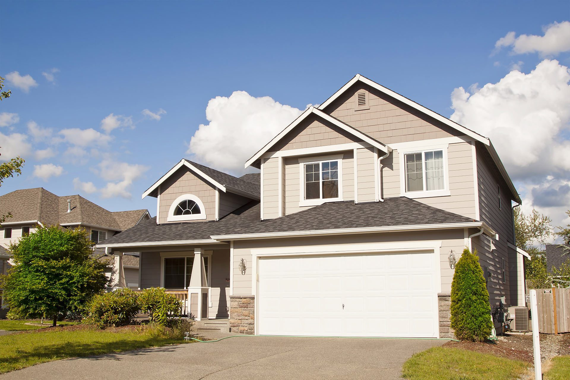 Seattle Home Front with Composite Roof - Roofing Contractor