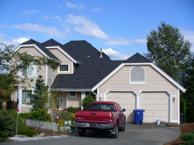 Redmond Asphalt Roof Replacement Cream Colored Home